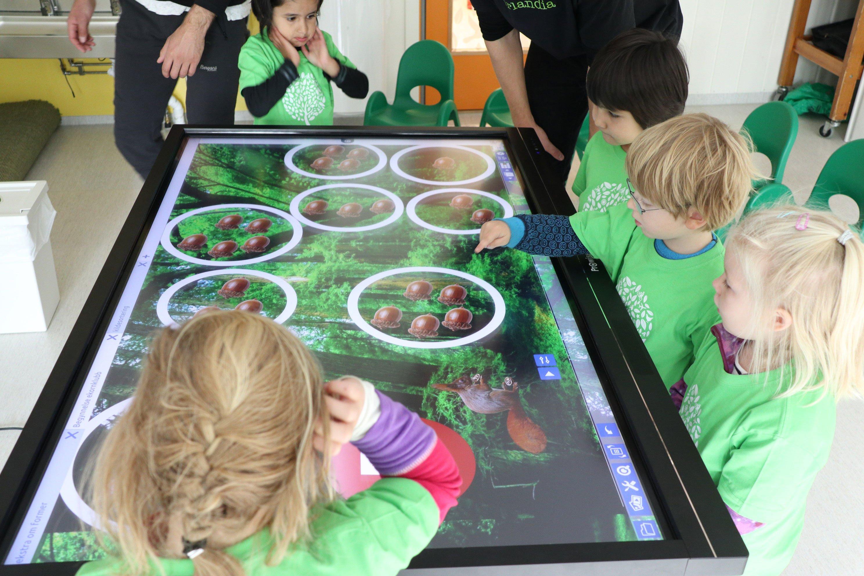 Interaktiv-undervisning-barnehage-prowise-touchscreen