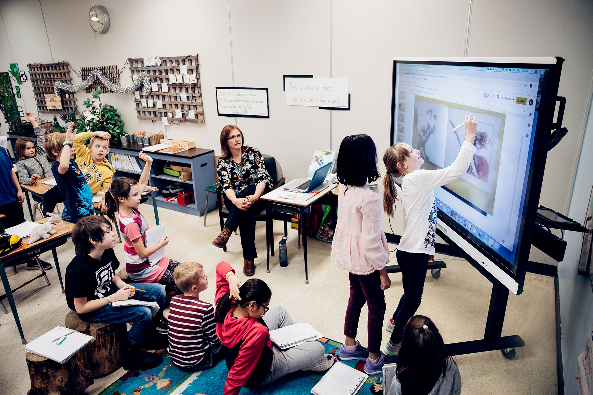 Interaktiv-undervisning-smartboard-klasseromet