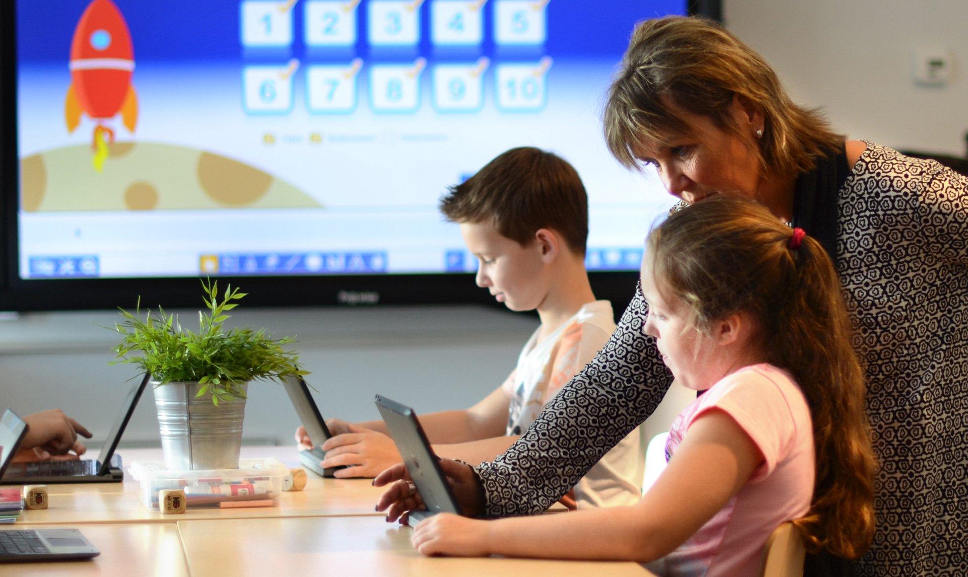 Laering Og Digitalisering I Det Moderne Klasserommet