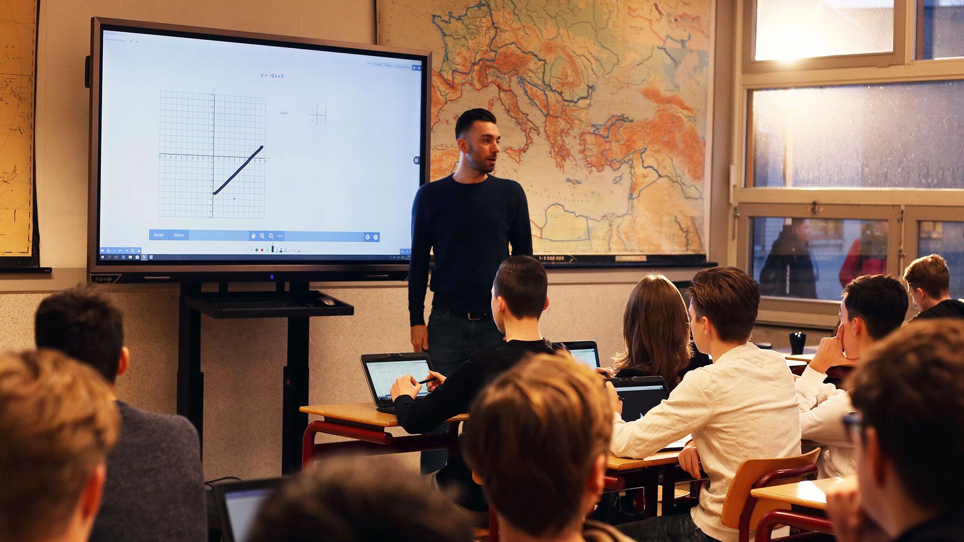 interaktiv-undervisning-prowise-touchscreen-klasserom
